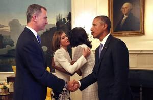 El rey Felipe VI y Letizia se despiden de Barack y Michelle Obama, en septiembre del 2015, tras el encuentro en la Casa Blanca.