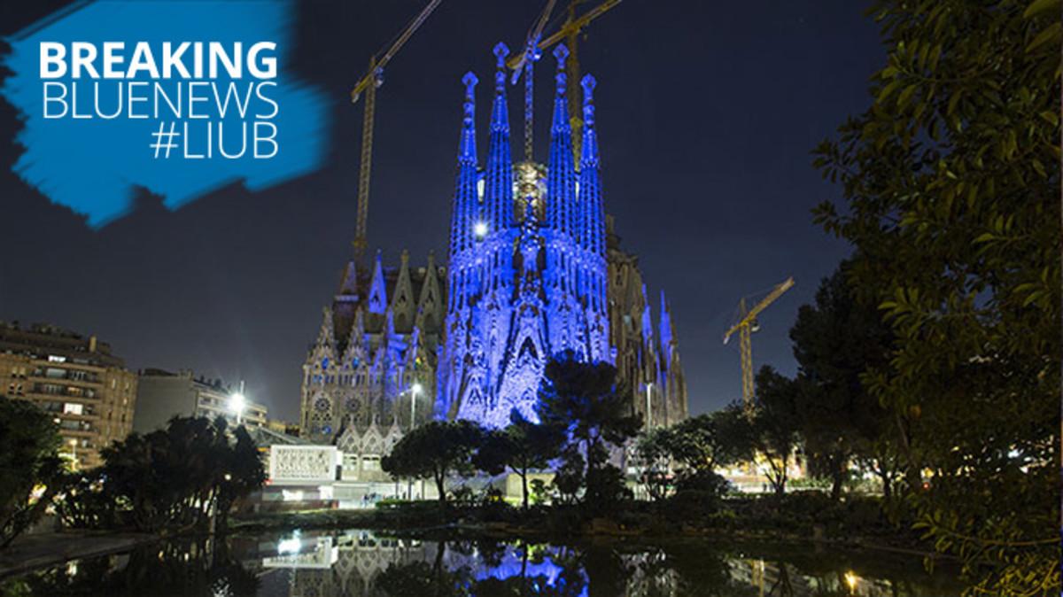 la Sagrada Família, teñida de azul en una edición anterior de la iniciativa mundial Light It Up Blue.