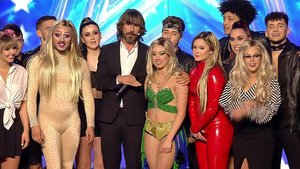 Santi Millan con QDS Megacrew en la semifinal de Got Talent.