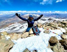 Sergi Mingote en la cima del volcán Ojos del Salado, en Chile, el pasado jueves