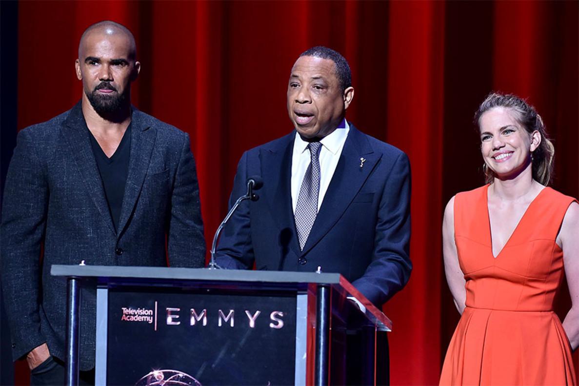 Shemar Moore, Hayma Washington y Anna Chlumsky, en la ceremonia de las nominaciones de los Emmy 2017, en Los Ángeles.