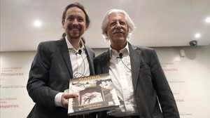 Iglesias y Juste de Nin en la presentación de la novela gráfica Garbo, el espía catalán que engañó a Hitler, en el Centre Cultural Blanquerna de Madrid.
