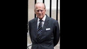 El duc d'Edimburg, ingressat d'urgència