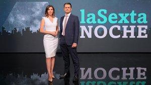 Verónica López e Iñaki López, presentadores de 'laSexta noche'.