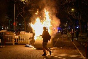 Protestes contingudes contra la inhabilitació de Torra
