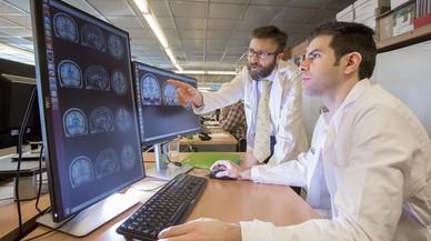 Un estudio de la Fundación Maragall halla singularidades cerebrales en personas con riesgo de alzhéimer