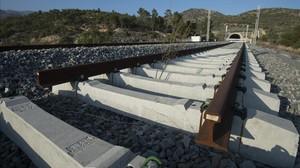 Tramo del corredor mediterráneo en Vandellós, con las obras paradas, a principios de este año.