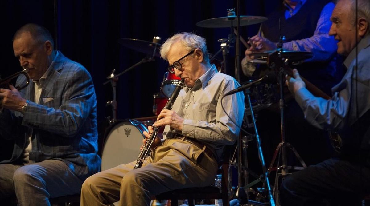 Woody Allen y la New Orleans Jazz, durante un reciente concierto.