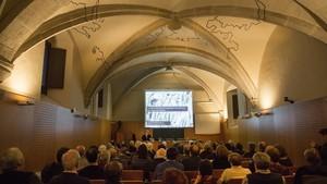 Conferencia sobre Cardona, organizada por Amics de lArt Romànic, en el Institut dEstudis Catalans.