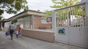 Ensenyament va instar a retirar un llaç groc en una escola bressol pública d'Esplugues