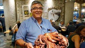 """Fermín Pérez: """"Los clientes ,y el pulpo, me lo han dado todo en la vida"""""""