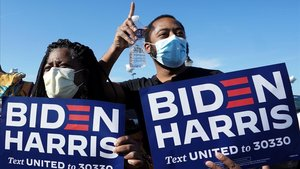 Seguidores de Biden y Harris en Wilmington, Delaware.