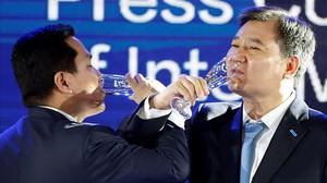 Zhang Jindong y Erick Thohir, durante la presentación del acuerdo