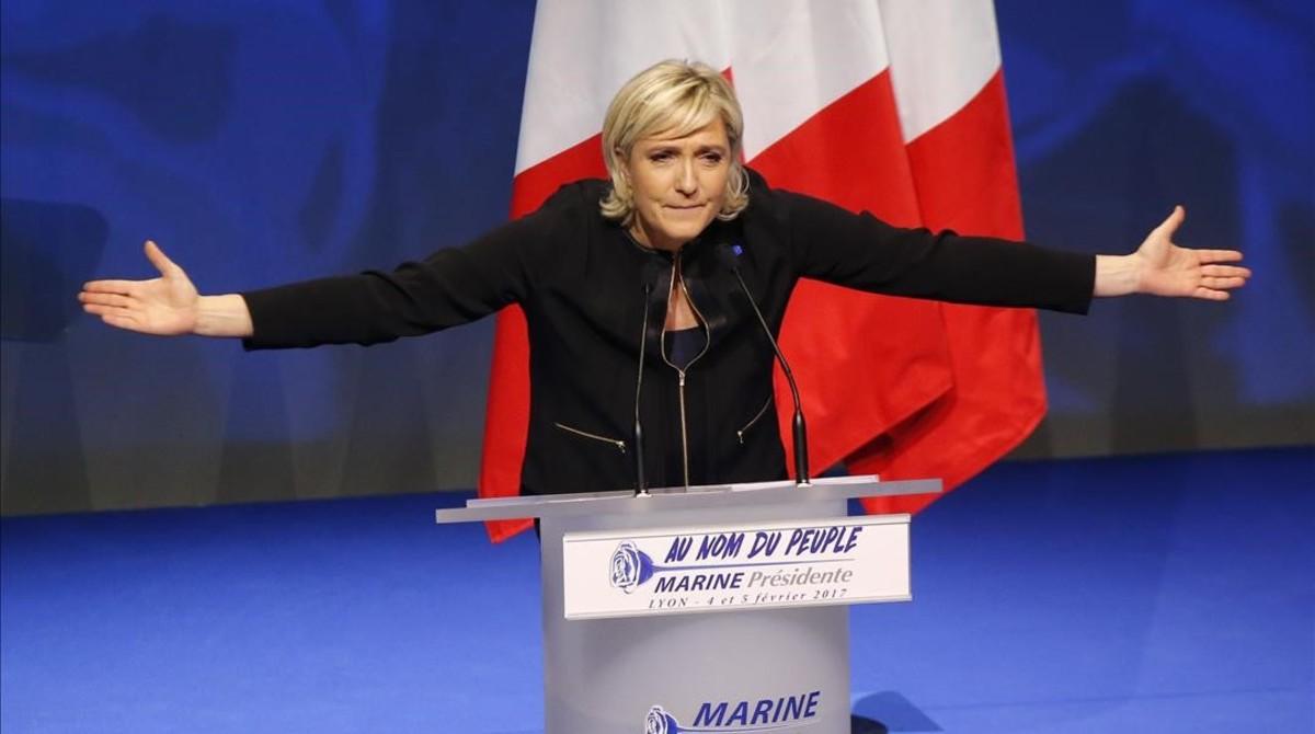 La líder del frente Nacional, Marine Le Pen, en la presentación de su campaña en Lyón.