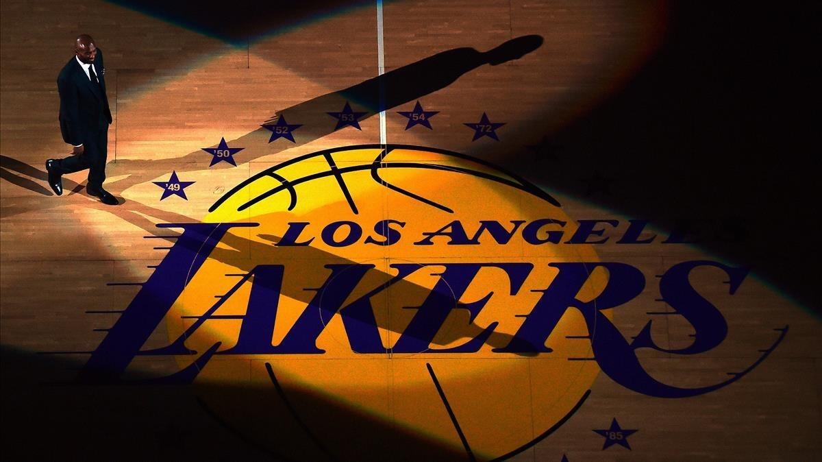 Momento en el que Kobe Bryant aparece en el Staples Center