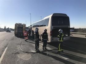 Arde un autobús escolar en Madrid