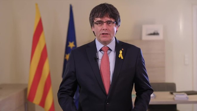 Mensaje de Carles Puigdemont desde Bruselas, en el que renuncia de forma provisional a ser candidato a president.