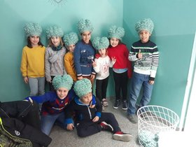 Un grupo de niños, tras participar en esta divertida aventura.