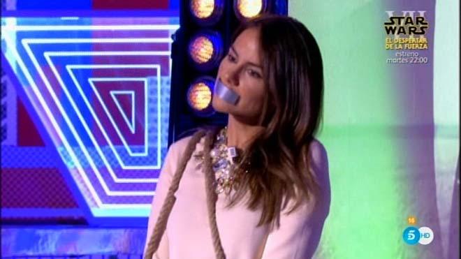Performance de Mónica Hoyos (Deluxe).