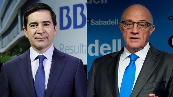 BBVA y Sabadell negocian su fusión. En la foto,Carlos Torres, presidente del BVA, y Josep Oliu, del Sabadell.