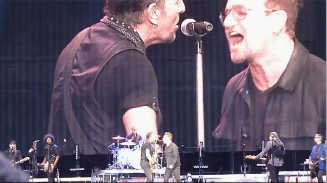 Springsteen y Bono, juntos en el escenario en Dublín