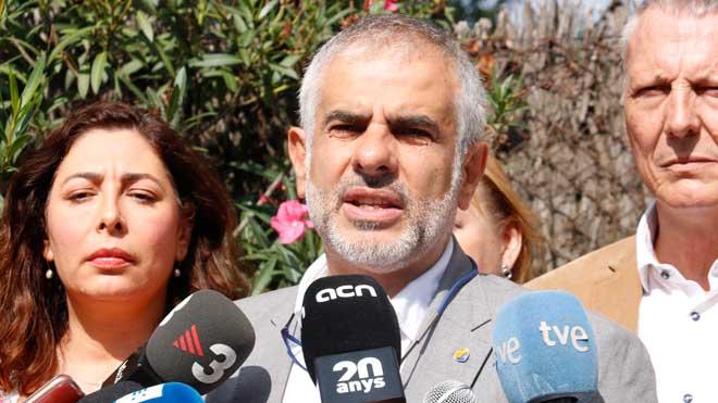 Carrizosa (Cs) avisa a Torra de que con la pancarta en la Generalitat hace lo mismo que los que hoy están en prisión preventiva.