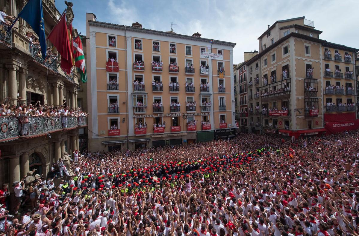 Celebración del chupinazoque da inicio a las fiestas deSan Fermín, el 6 de julio del 2017.