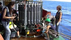 Científicos de la expedición Malaspina en el Hespérides, en el 2011.