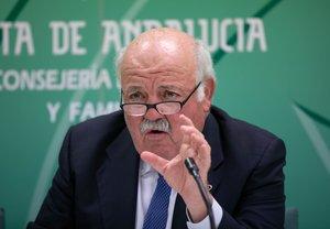 El consejero de Salud de Andalucía, Jesús Aguirre.