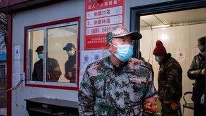 Un control policial en la ciudad china de Suifenhe, junto a la frontera con Rusia.