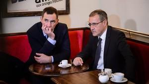 El presidente del Consejo Ejecutivo de Corcega,Gilles Simeoni (izquierda) yel presidente de la Asamblea de Corcega, Jean Guy Talamoni, en París en el 2016.