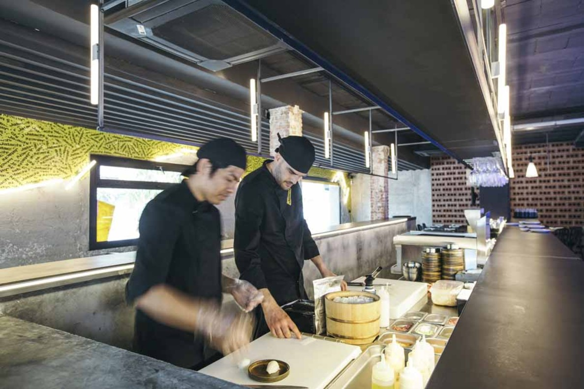 Dos sushiman en Jatachi.