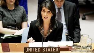 La embajadora estadounidense ante Naciones Unidas,Nikki Haley,durante una reunion del Consejo de Seguridad.