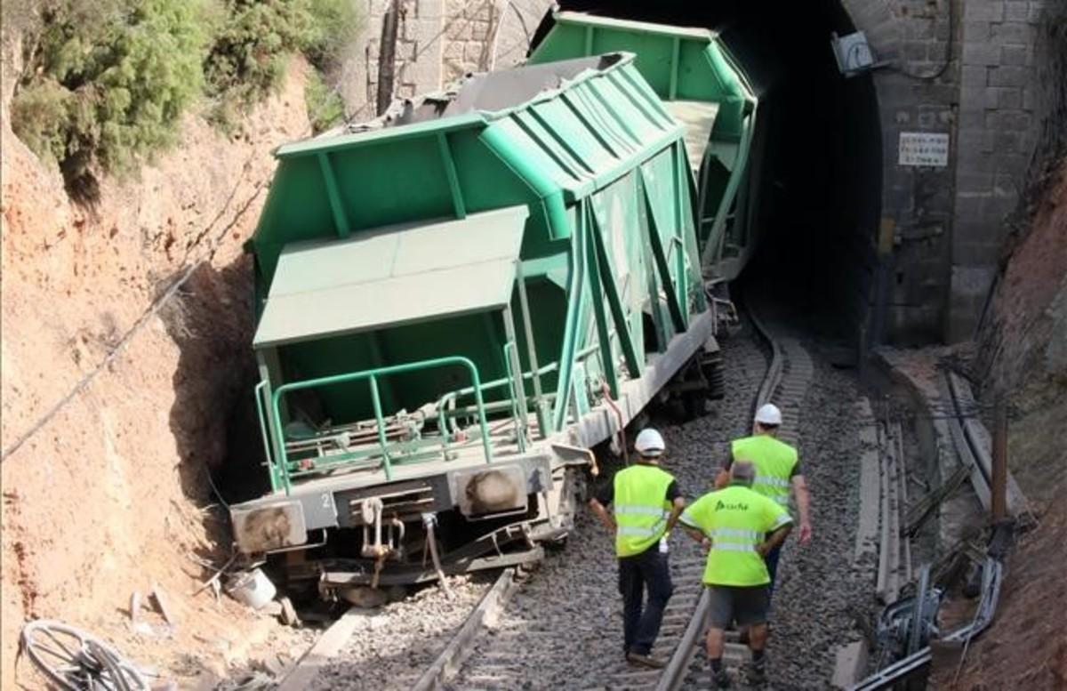Entrada del túnel donde descarriló el tren de la R-15.