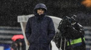 Ernesto Valverde soporta el diluvio durante la segunda mitad del Real Sociedad-Barça.