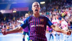 Ferrao celebra un gol a ElPozo Murcia.