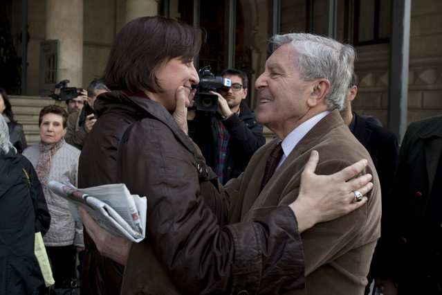 Itziar González, exregidora de Barcelona, ha declarat recolzada per persones com lexfiscal anticorrupció Carlos Jiménez Villarejo i per diversos col·lectius i entitats.