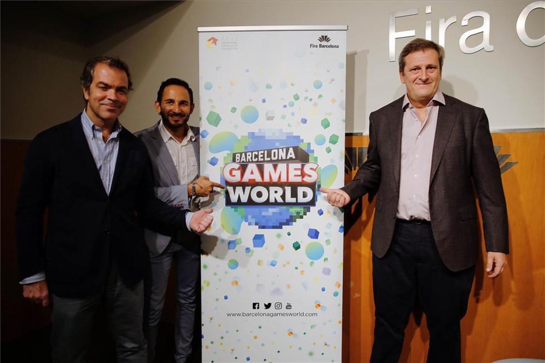 De izquierda a derecha, José María Moreno (director general de la Aevi), Josep Antoni Llopart (director de Barcelona Games World) y Alberto González Lorca (presidente de la Aevi).