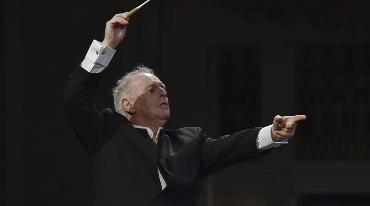 DanielBarenboim, durante la interpretación de Mi patria en la inauguración del Festival de Primavera de Praga.