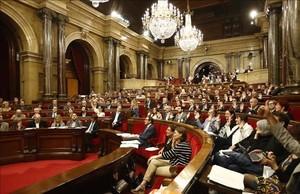 Votación en el Parlament de Catalunya sobre la reclamación de un referéndum de autodeterminación, en octubre.