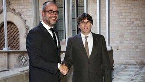 Buch con Puigdemont en el 2016.