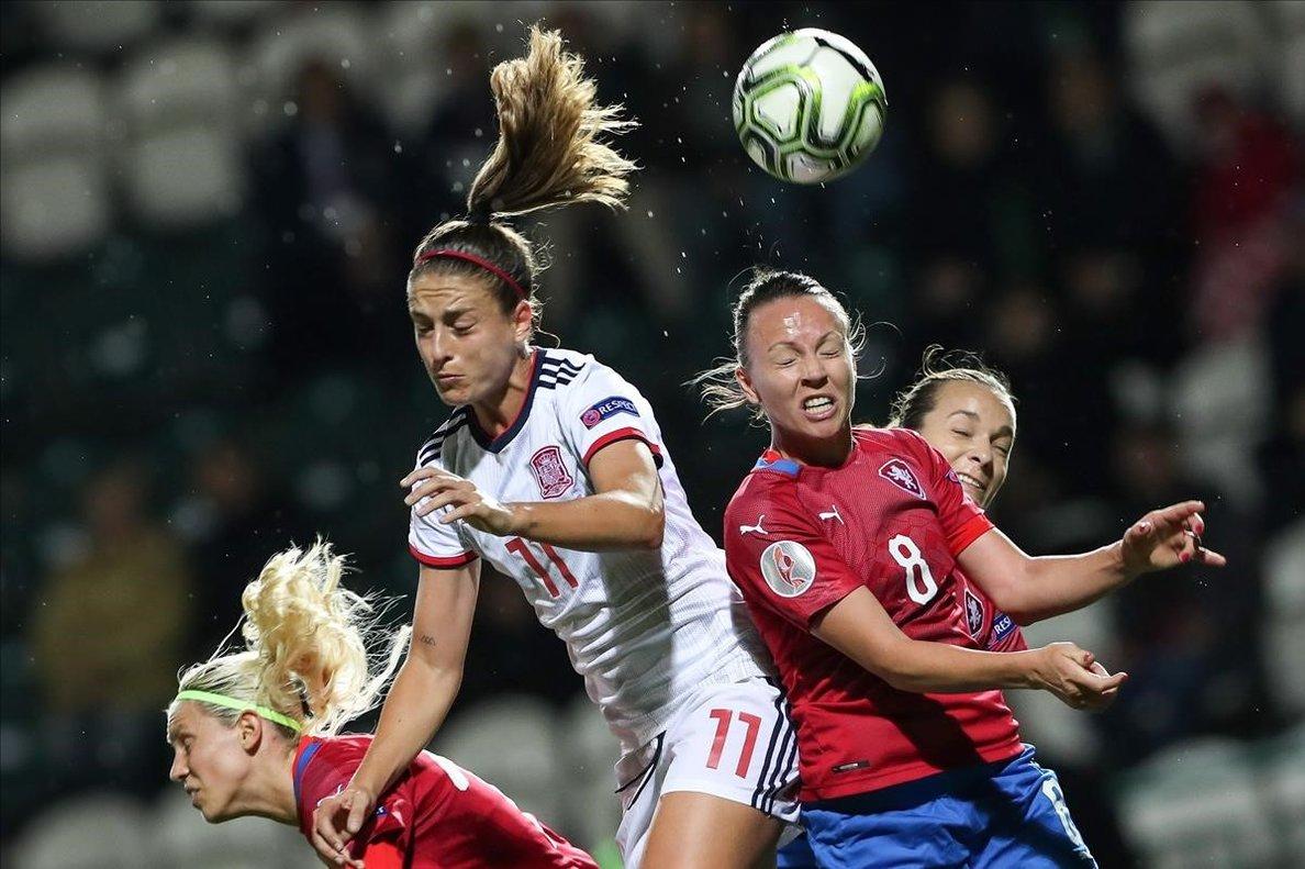 Espanya goleja en la seva visita la República Txeca (1-5)