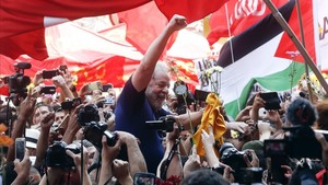 En el espacio vetado afirmaba que Lula sigue siendo candidato a la presidencia de Brasil.