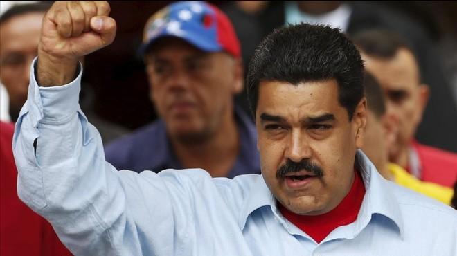 Maduro no descarta ordenar el cese del Congreso en manos opositoras