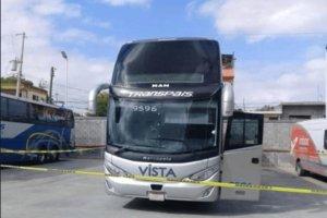 Un autobúsde la empresa Transpaís donde secuestraron a 19 poersonas.