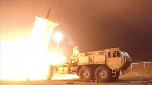 Un misil interceptor del sistema THAAD lanzado desde Alaska durante una prueba del sistema, en Kodiak, el 30 de julio.