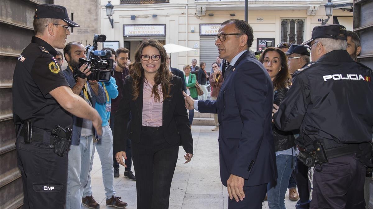 Mónica Oltra, a su llegada a las Corts valencianas al día siguiente del acoso ultra