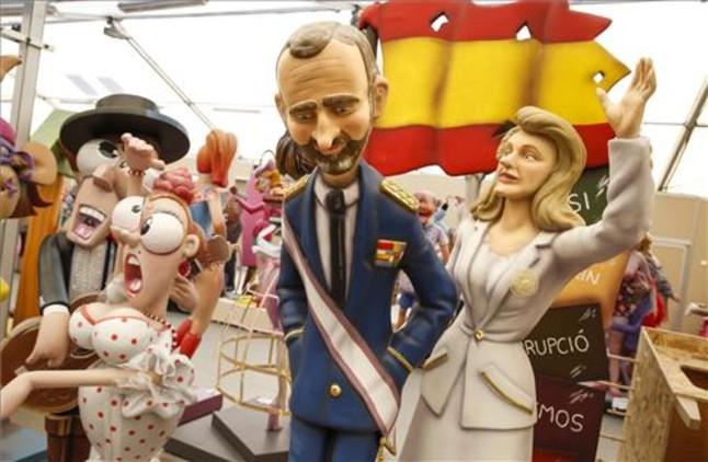 Felipe y Letizia, en las fallas como reyes, por primera vez.