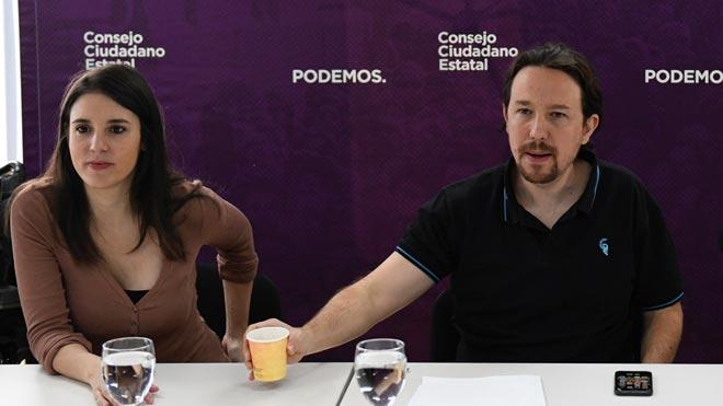 Iglesias s'arma de retrets contra Sánchez i Errejón