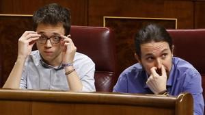Pablo Iglesias e Íñigo Errejón en sus escaños, este miércoles durante el pleno del Congreso.